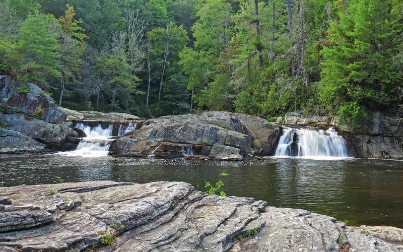 Upper_Linville_Falls